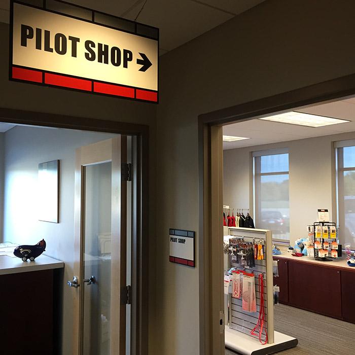 Thunderbird-Aviation-Pilot-Shop